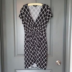 Express black and white tulip hemmed dress